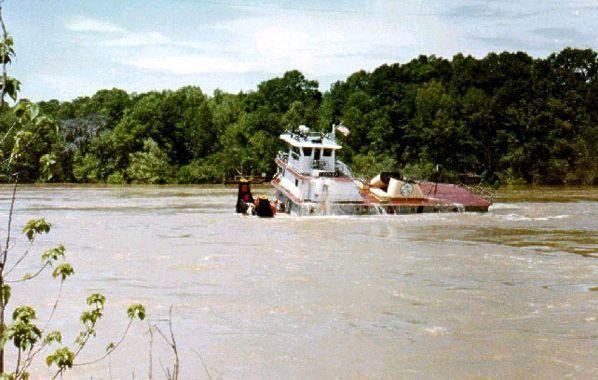 Boat vs Bridge (16 photos)