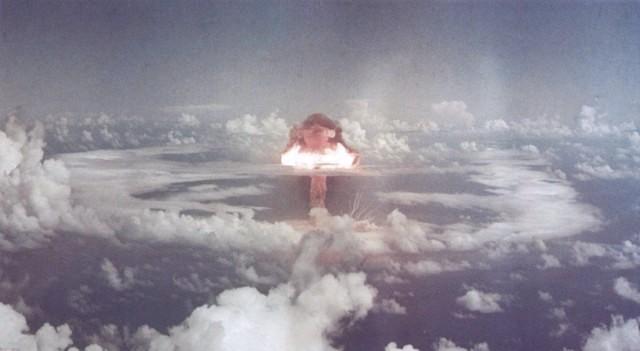 Nuclear Explosions (88 photos)