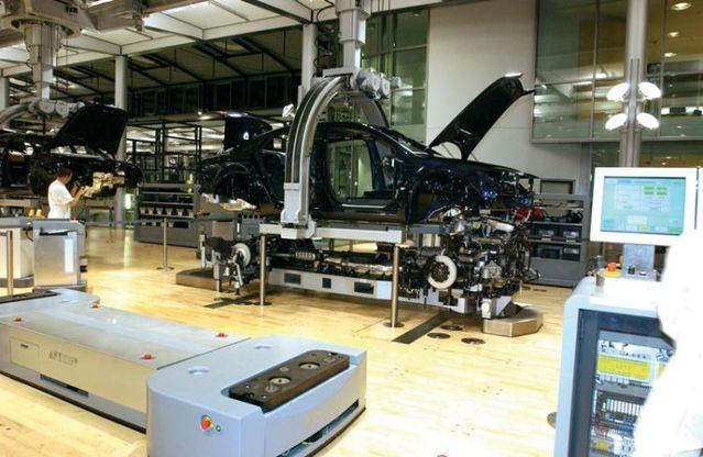 Volkswagen's factory of Dresde (21 photos)