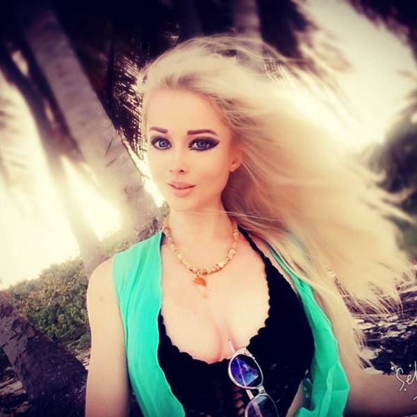 Ukrainian Barbie Model Is Becoming More And More Similar To Her Doll Idol With Every Photoshoot