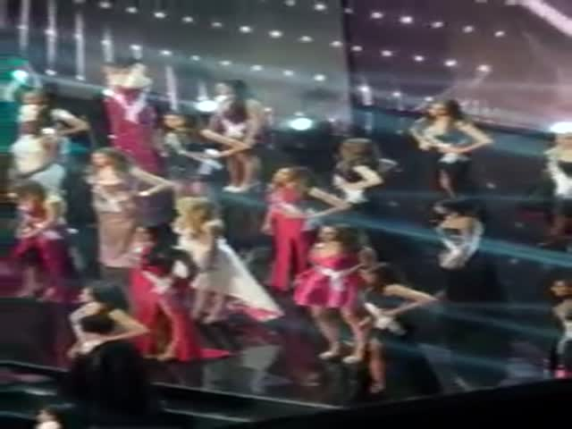 Miss Netherlands Is Having A Good Time During Commercial Break At Miss Universe