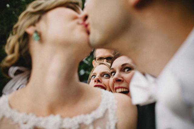 These Wedding Photos Are Destined To Be Burned As Soon As The Bride Sees Them