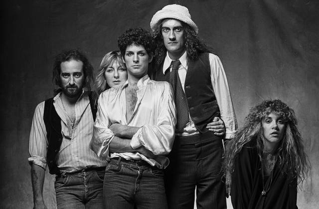 The Pinnacle Of Photography – Monochrome Celebrity Snaps By Norman Seeff
