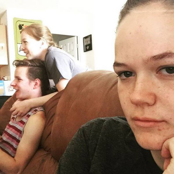 All The Pain And Suffering Of Being A Third Wheel Collected In One Instagram Account