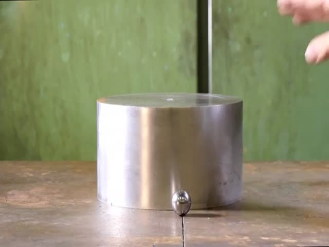 Hydraulic Press Is Nothing Against Adamantium