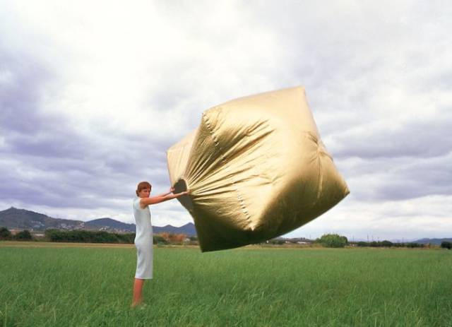 Humans Can Be Like Snails Now With This Portable Home
