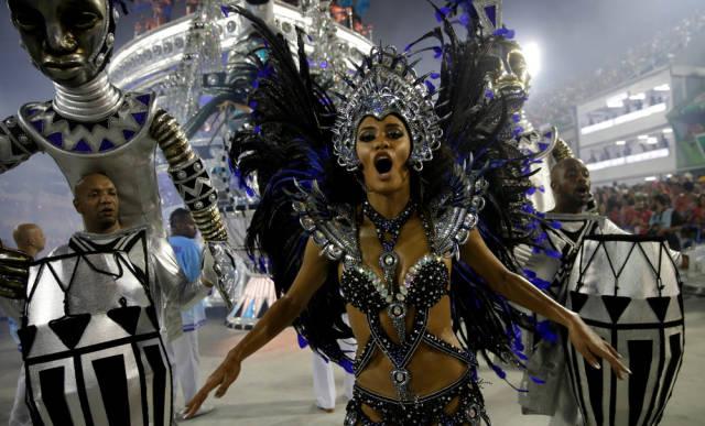 Rio De Janeiro Carnival Is As HOT As It Always Is!