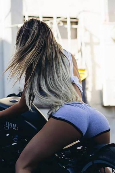 Long Story Short: Hot Girls, Very Short Shorts