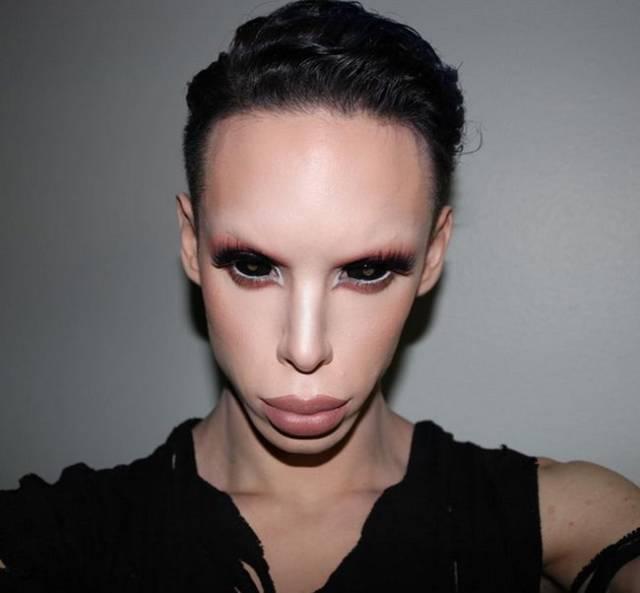Man? No. Woman? No, thanks. Genderless Alien? Yes, please!