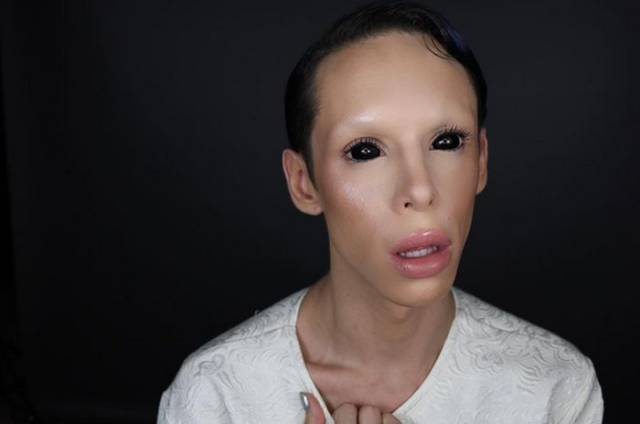 Man? No. Woman? No, thanks. Genderless Alien? Yes, please!