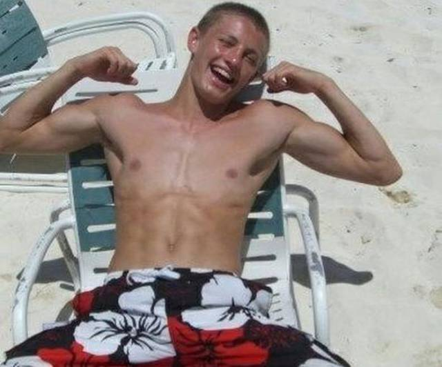 From A Skinny Guy To An Enormous Muscleman – Never Say It's Impossible Again