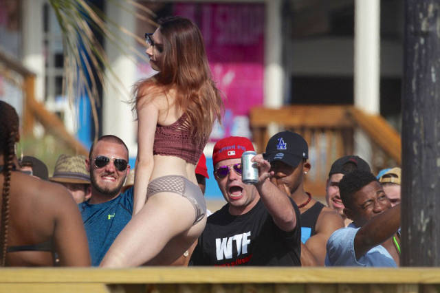 Drunk Spring Break Students Are Flooding US's Beaches, Clubs And Police Stations