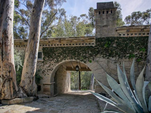 Ellen DeGeneres' Mansion Is Up For Grabs – And It's Gorgeous