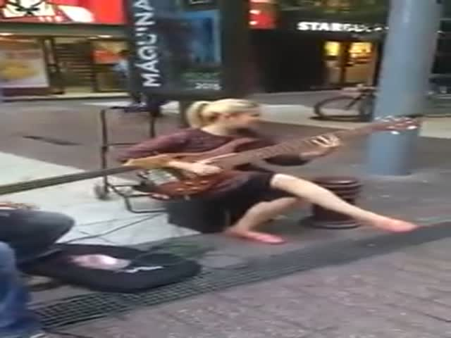 Now That's What Is Called Real Street Music!