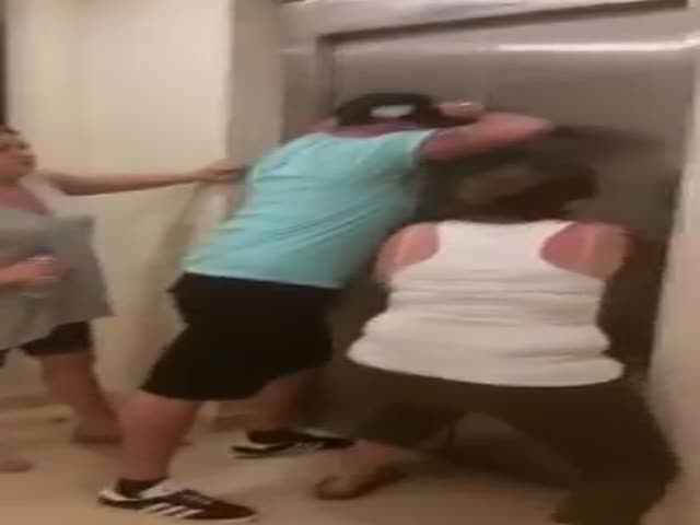 Tourists Destroy Half The Hotel After Their Kids Get Stuck In The Elevator For 10 Minutes