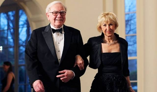 Are Wives Of The Rich Men All That Ultra-Glamorous?