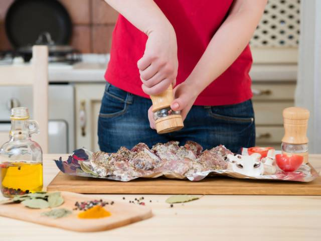 Chefs Say That We're Doing Everything Wrong When Cooking Our Food