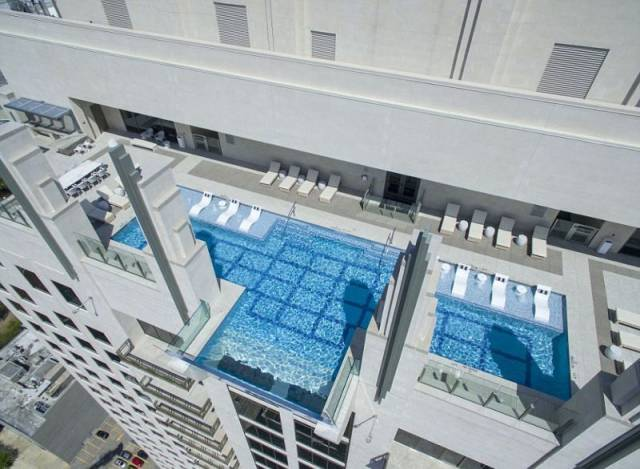 Love Risk? You Just Have To Dive Into This Pool!