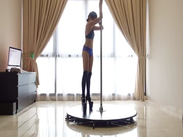 Pole Dancing Fails…Or Not?