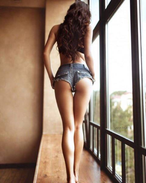 Long Story Short: Hot Girls, Very Short Shorts