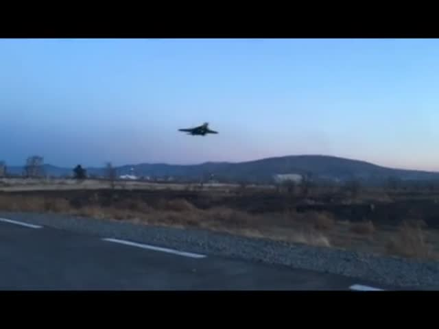 An Incredibly Low-Altitude Flight And A Crash Of Su-37 Airplane!