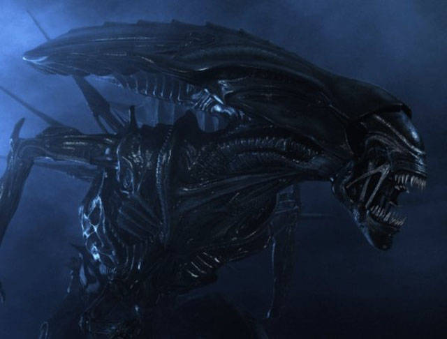 """The Only Thing Cooler Than """"Alien"""" Is It's Sequel – """"Aliens"""""""