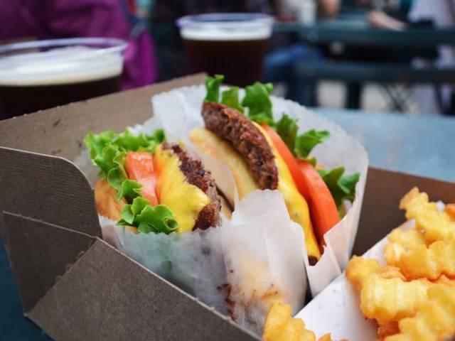 We Had No Idea How Many Calories Fast Food Really Has!