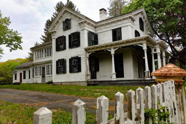 You Could Grab Yourself A Ghost Town For Some $1.9 Million If You Wanted To