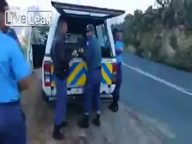That's How Police Deals With Thieves In South Africa
