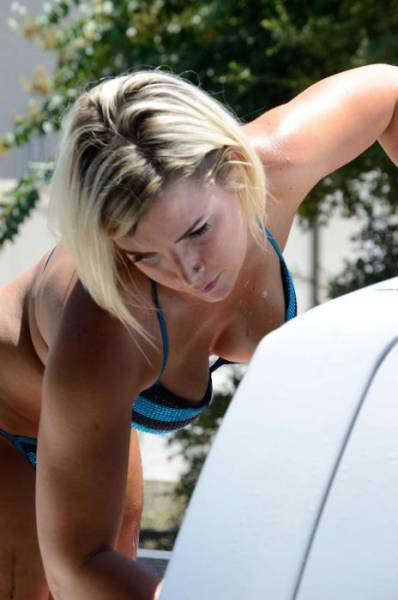 After You See Bikini Car Washes There's No Other Way To Wash Your Car Anymore!