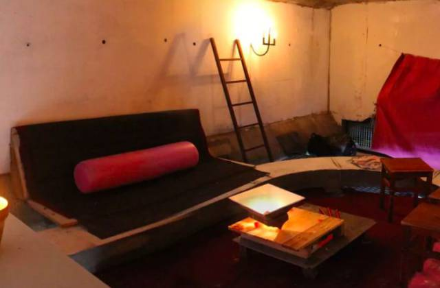 This Student Has Found A Pretty Interesting Airbnb Apartment Under One Of France's Bridges…