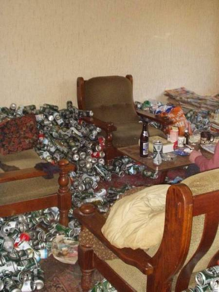 What's Inside Of An Alcoholic's Lair
