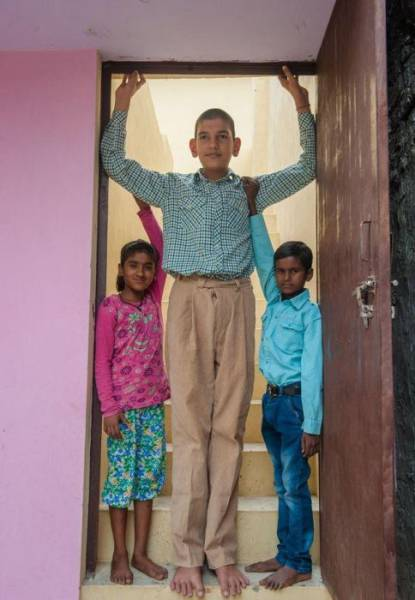 This Indian Boy Is The Tallest In The World 13 Pics