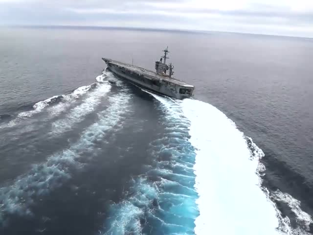 USS Abraham Lincoln Going On An Extremely High Speed Is A Majestic Sight