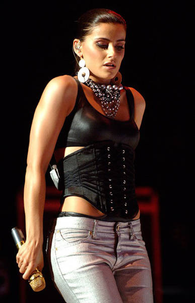 What Have You Done To Nelly Furtado 10 Pics 1 Video