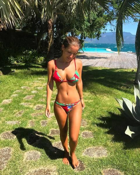 Beautiful Summer Loving Bikini Girls