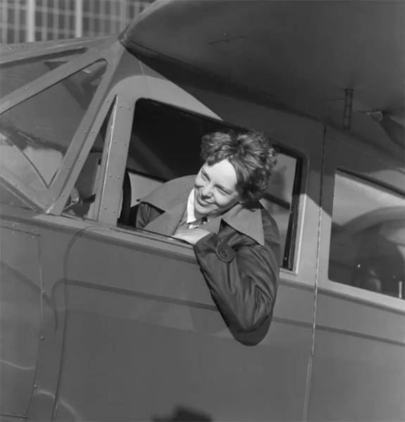 Looks Like Amelia Earhart Didn't Crash And Die When She Was Thought To!