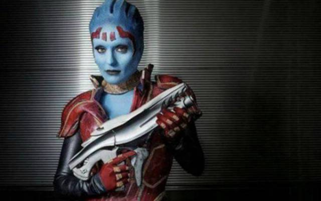 """Mass Effect"" Couldn't Have Been Cosplayed Sexier Than This"