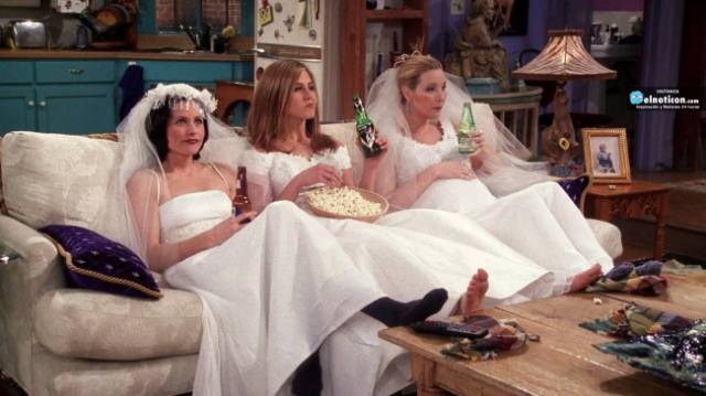 "There's So Many Things On ""Friends"" Show That Everyone Has Missed"