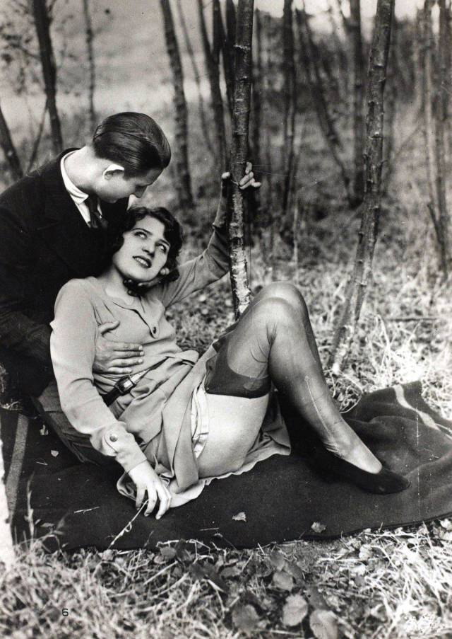 Oh, The Erotic Art Of 20s…