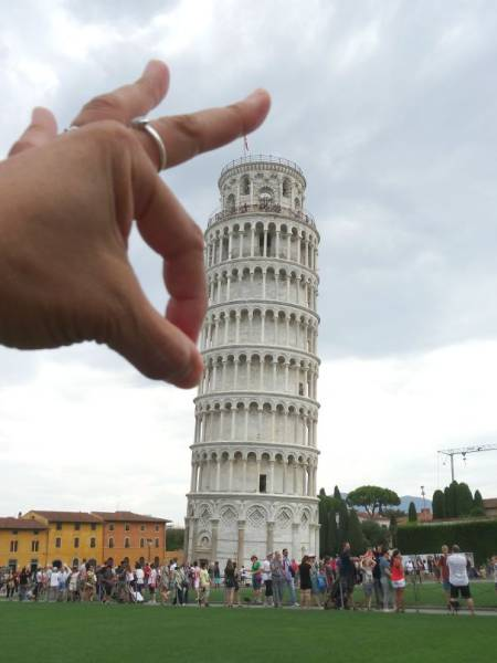 Leaning Tower Of Pisa Is Just An Endless Source Of Hilarious Photos