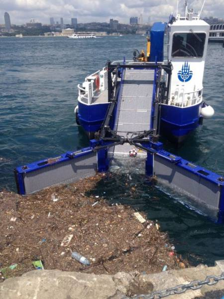 This Is How Bosphorus Has To Be Cleaned!