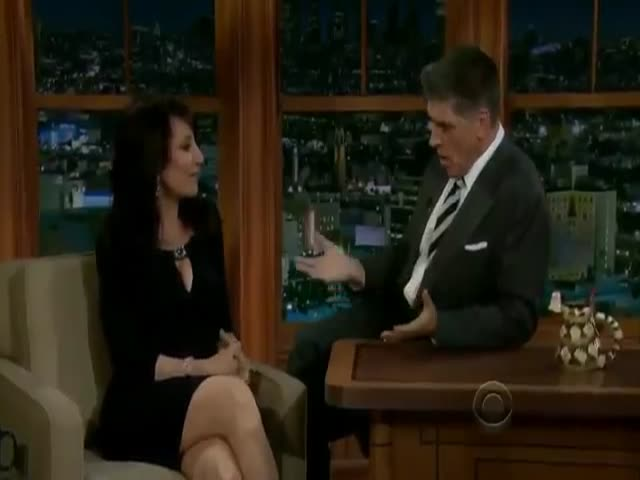 Craig Ferguson Will Show You How To Flirt Properly!