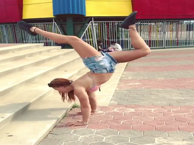 These Scorpion Handstands Are Either Very Impressive Or Very Appealing