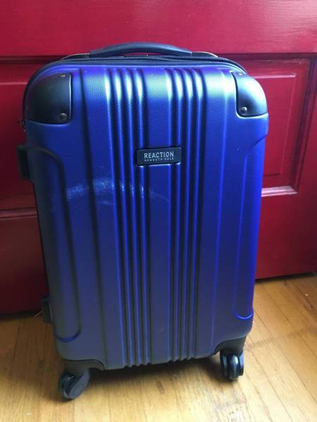 """""""United Airlines"""" Strike Again! This Time, At Luggage Of Their Passengers…"""