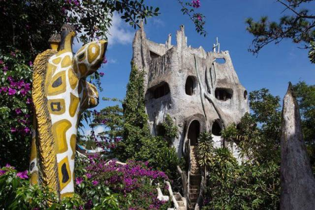 Fabulous Houses That Look Like They Are From The Fantasy Book