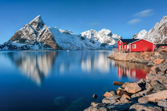 A Hundred Places You Should Definitely Visit, According To The World