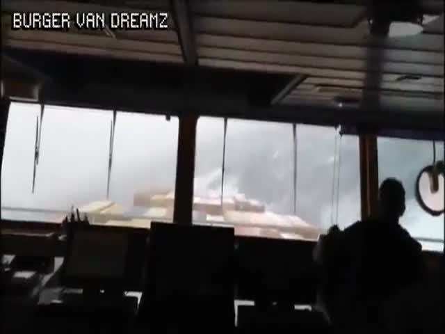 Even Container Ships Are Nothing Against North Atlantic Storms
