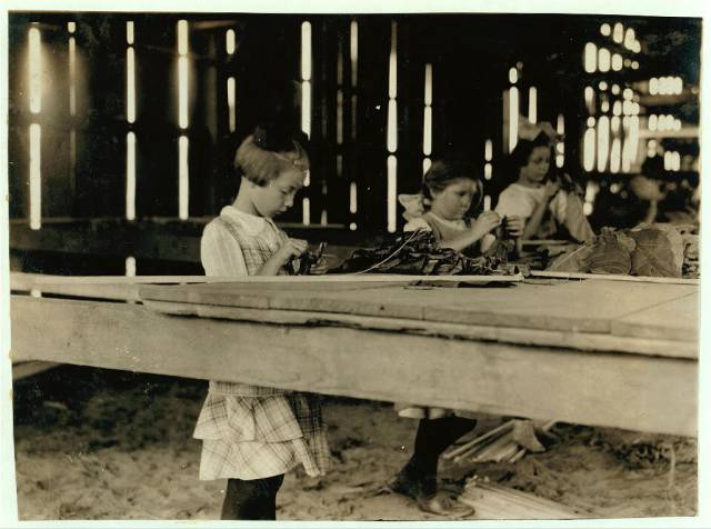 Here's How Child Labor Looked Like In The US About A Century Ago