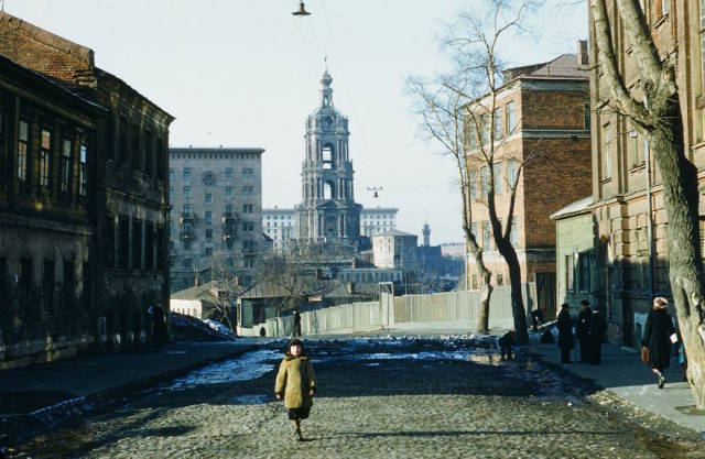 US Spy Has Captured Life In The USSR After The World War II